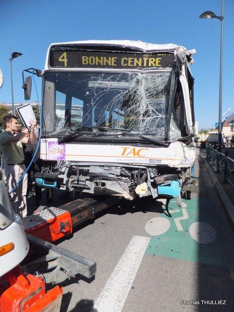 14 09 2012 annemasse haute savoie accident du bus. Black Bedroom Furniture Sets. Home Design Ideas