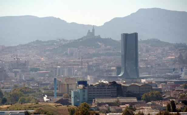 Marseille : il tue sa petite amie en la renversant volontairement
