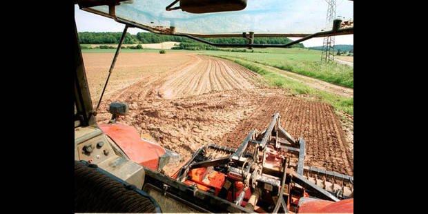 Une femme de 67 ans a �t� gri�vement bless�e par une arracheuse de pommes de terre dans une exploitation agricole situ�e � Saint-Laurent, en Flandre-orientale.