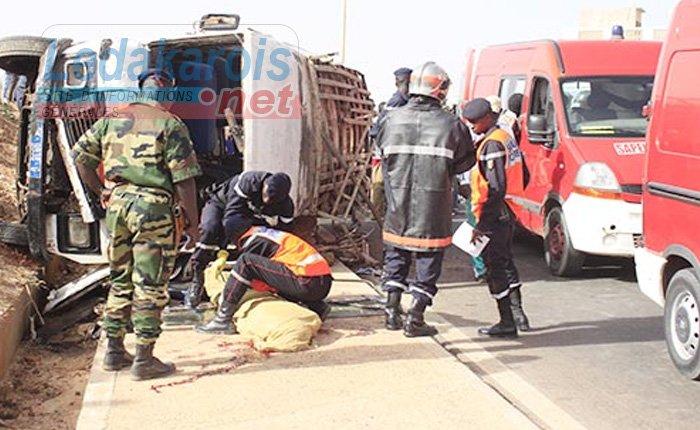 27-08-2014 - DAKAR - BIGNONA - Violent accident entre un autocar et un camion sur la Route nationale n�4 (RN4), entre Bignona et Ziguinchor, : bilan 7 morts et 20 bless�s.