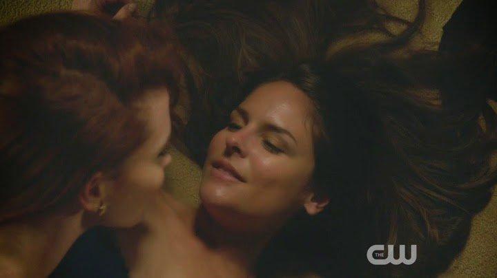 Luisa & Rose Scenes Jane the Virgin | Lesbian Media Blog