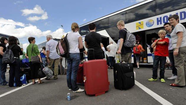 15-08-2012 - Les passagers du car belge en feu en route vers chez eux