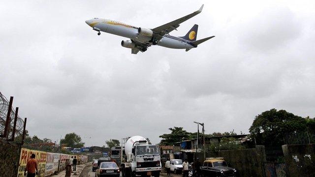 15-08-2014 - Un pilote d'avion Boeing 777 de la compagnie Jet Airways s'endort pendant le vol Mumbai Zaventem et fr�le l'accident lorsqu'il a soudainement perdu de l'altitude en Survolant la Turquie, les contr�leurs a�riens ont alert� les pilotes pour remonter � 10'000 m�tres. La copilote, elle, regardait son iPad.